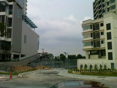 This photo taken on Jalan SS16/1 Subang Jaya, shows the land between the Empire Subang and Saujana Residency properties.  Prasarana has proposed to run the LRT extension between these properties.